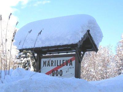 Marilleva 900: BORD MARILLEVA 900 MEZZANA SKIRAMA DOLOMITI WINTERSPORT ITALIE SKI SNOWBOARD RAQUETTES SCHNEESCHUHLAUFEN LANGLAUFEN WANDELEN INTERLODGE