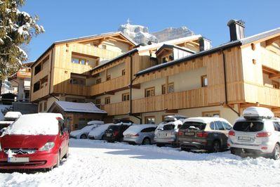 Résidence Civetta: BUITENKANT RESIDENCE CIVETTA VAL DI ZOLDO SUPERDOLOMITI WINTERSPORT ITALIE SKI SNOWBOARD RAQUETTES SCHNEESCHUHLAUFEN LANGLAUFEN WANDELEN INTERLODGE