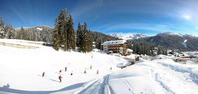Hotel Bertelli: BUITENKANT HOTEL BERTELLI MADONNA SKIRAMA DOLOMITI WINTERSPORT ITALIE SKI SNOWBOARD RAQUETTES LANGLAUFEN WANDELEN INTERLODGE