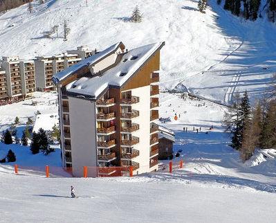 Appartementen Siviez: SIVIEZ LES QUATRE VALLEES ZWITSERLAND WINTERSPORT SKI SNOWBOARD RAQUETTE SCHNEESCHUHLAUFEN LANGLAUFEN WANDELEN INTERLODGE