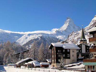 Zermatt: BERGDORP ZERMATT ZWITSERLAND WINTERSPORT SKI SNOWBOARD RAQUETTE SCHNEESCHUHLAUFEN LANGLAUFEN WANDELEN INTERLODGE