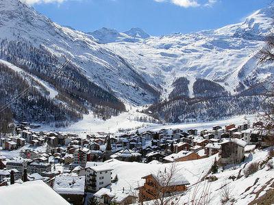 Saas Fee: DORP SAAS FEE ZWITSERLAND WINTERSPORT SKI SNOWBOARD RAQUETTE SCHNEESCHUHLAUFEN LANGLAUFEN WANDELEN INTERLODGE