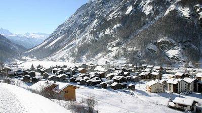 Appartementen Täsch: DORP TÄSCH MATTERHORN PARADISE ZWITSERLAND WINTERSPORT SKI SNOWBOARD RAQUETTE SCHNEESCHUHLAUFEN LANGLAUFEN WANDELEN INTERLODGE