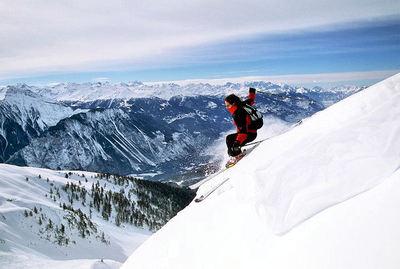 Leukerbad: AFDALING SKIER LEUKERBAD TORRENT ZWITSERLAND WINTERSPORT SKI SNOWBOARD RAQUETTE SCHNEESCHUHLAUFEN LANGLAUFEN WANDELEN INTERLODGE