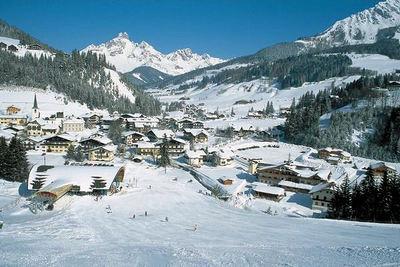 Filzmoos: DORP FILZMOOS SALZBURGER SPORTWELT AMADE WINTERSPORT OOSTENRIJK SKI SNOWBOARD RAQUETTES SCHNEESCHUHLAUFEN LANGLAUFEN WANDELEN INTERLODGE