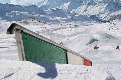 Matterhorn Ski Paradise: BREUIL CERVINIA BOARDERPARK MATTERHORN SKIPARADISE ITALIË WINTERSPORT SKI SNOWBOARD RAQUETTE SCHNEESCHUHLAUFEN LANGLAUFEN WANDELEN  INTERLODGE