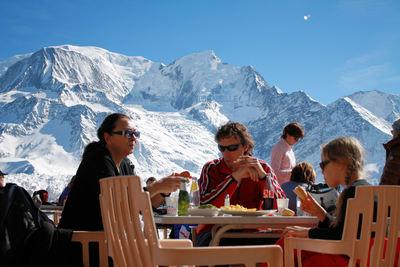Pays du Mont Blanc: AAN DE VOET VAN DE MONT BLANC TERRAS LES HOUCHES FRANKRIJK WINTERSPORT SKI SNOWBOARD RAQUETTE SCHNEESCHUHLAUFEN LANGLAUFEN WANDELEN INTERLODGE