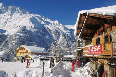 Sainte Foy: DORP SAINTE FOY TARENTAISE WINTERSPORT FRANKRIJK SKI SNOWBOARD RAQUETTES LANGLAUFEN WANDELEN INTERLODGE