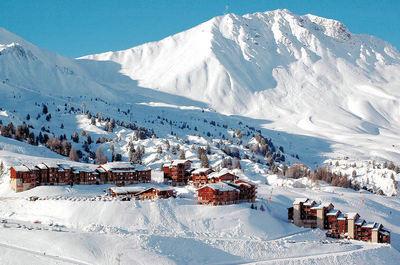 Plagne Soleil: BERGSTATION PLAGNE SOLEIL PARADISKI WINTERSPORT FRANKRIJK SKI SNOWBOARD RAQUETTES SCHNEESCHUHLAUFEN LANGLAUFEN WANDELEN INTERLODGE