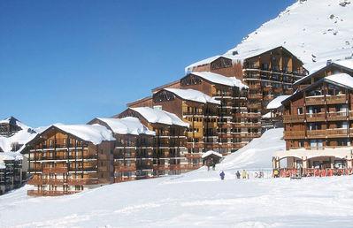 Résidence Le Cheval Blanc: buitenkant-residence-le-cheval-blanc-val-thorens-les-trois-vallees-wintersport-frankrijk-interlodge