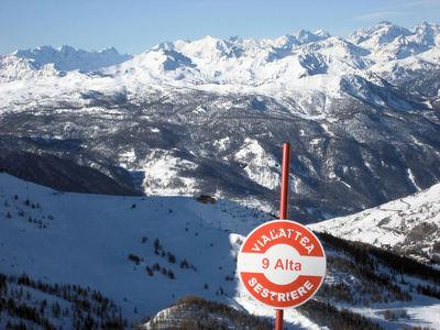 Via Lattea: AFDALINGEN SKIGEBIED VIA LATTEA ITALIE WINTERSPORT SKI SNOWBOARD RAQUETTE SCHNEESCHUHLAUFEN LANGLAUFEN WANDELEN INTERLODGE