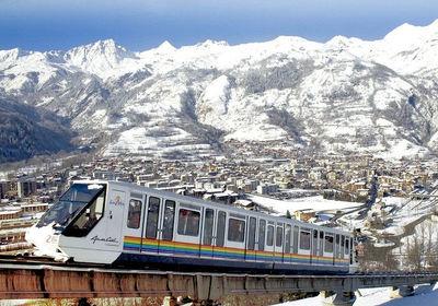 Bourg St. Maurice: FUNICULAIRE BOURG ST MAURICE PARADISKI WINTERSPORT FRANKRIJK SKI SNOWBOARD RAQUETTES SCHNEESCHUHLAUFEN LANGLAUFEN WANDELEN INTERLODGE