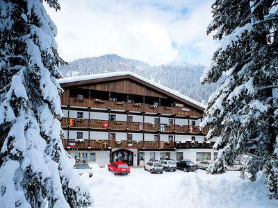 Hotel Diana: BUITENKANT HOTEL DIANA CANAZEI DOLOMITI ITALIE WINTERSPORT SKI SNOWBOARD RAQUETTES SCHNEESCHUHLAUFEN LANGLAUFEN WANDELEN INTERLODGE