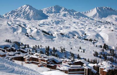 Belle Plagne: BELLE PLAGNE PARADISKI FRANKRIJK WINTERSPORT FRANKRIJK SKI SNOWBOARD RAQUETTES LANGLAUFEN WANDELEN INTERLODGE