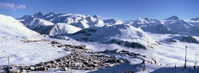Alpe d'Huez: ALPE D HUEZ GRANDES ROUSSES WINTERSPORT FRANKRIJK SKI SNOWBOARD RAQUETTES LANGLAUFEN WANDELEN INTERLODGE