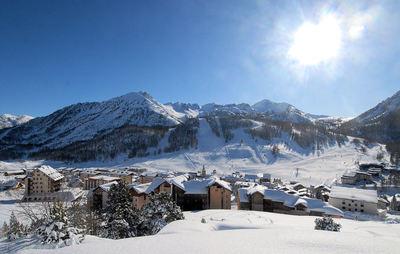 Montgenèvre: BESTEMMING MONTGENEVRE VIA LATTEA WINTERSPORT FRANKRIJK SKI SNOWBOARD RAQUETTES SCHNEESCHUHLAUFEN LANGLAUFEN WANDELEN INTERLODGE