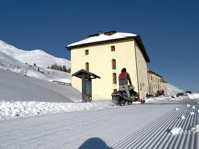 Hotel Mirandola: BUITENKANT HOTEL MIRANDOLA PASSO DEL TONALE TRENTINO SKIRAMA DOLOMITI WINTERSPORT ITALIE SKI SNOWBOARD LANGLAUF INTERLODGE