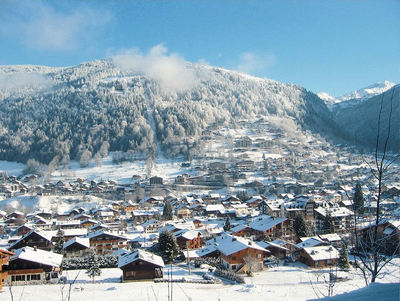 Morzine: BERGDORP MORZINE LES PORTES DU SOLEIL WINTERSPORT FRANKRIJK SKI SNOWBOARD RAQUETTES SCHNEESCHUHLAUFEN LANGLAUFEN WANDELEN INTERLODGE