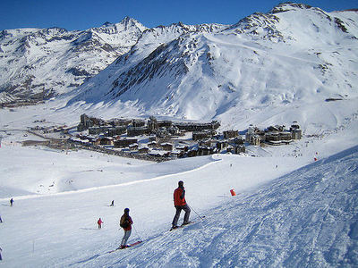 Tignes: AAN DE PISTE TIGNES VAL CLARET ESPACE KILLY FRANKRIJK WINTERSPORT SKI SNOWBOARD RAQUETTES SCHNEESCHUHLAUFEN LANGLAUFEN WANDELEN INTERLODGE