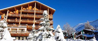Résidence Le Cortina: BUITENKANT RESIDENCE LE CORTINA LES DEUX ALPES WINTERSPORT FRANKRIJK SKI SNOWBOARD RAQUETTES SCHNEESCHUHLAUFEN LANGLAUFEN WANDELEN INTERLODGE