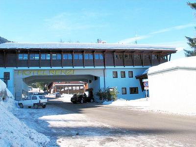 Hotel Renzi: BUITENKANT HOTEL RENZI FOLGARIDA SKIRAMA DOLOMITI WINTERSPORT ITALIE SKI SNOWBOARD RAQUETTES SCHNEESCHUHLAUFEN LANGLAUFEN WANDELEN INTERLODGE