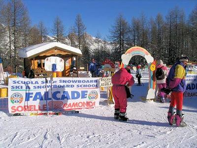 Falcade: DOLOMITI SUPERSKI FALCADE ITALIE WINTERSPORT SKI SNOWBOARD RAQUETTES SCHNEESCHUHLAUFEN LANGLAUFEN WANDELEN INTERLODGE