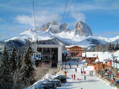 Canazei - Passo Pordoi: CABINE CANAZEI DOLOMITI SUPERSKI ITALIE WINTERSPORT SKI SNOWBOARD RAQUETTES SCHNEESCHUHLAUFEN LANGLAUFEN WANDELEN INTERLODGE