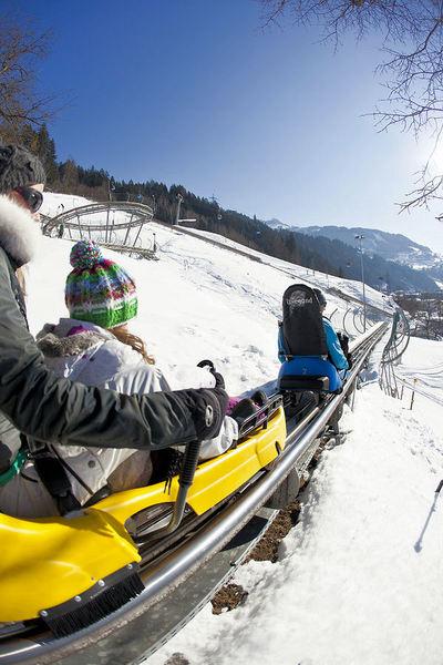 Zell am Ziller: COASTER ZELL AM ZILLER ZILLERTAL ARENA WINTERSPORT OOSTENRIJK SKI SNOWBOARD RAQUETTE SCHNEESCHUHLAUFEN LANGLAUFEN WANDELEN INTERLODGE