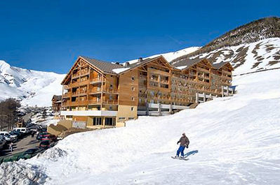 Résidence Les Cimes du Val d'Allos: BUITENKANT RESIDENCE LES CIMES DU VAL D ALLOS ESPACE LUMIERE INTERLODGE