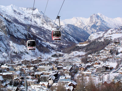 Valloire: CABINE VALLOIRE DOMAINE GALIBIER THABOR WINTERSPORT FRANKRIJK SKI SNOWBOARD RAQUETTES LANGLAUFEN WANDELEN INTERLODGE