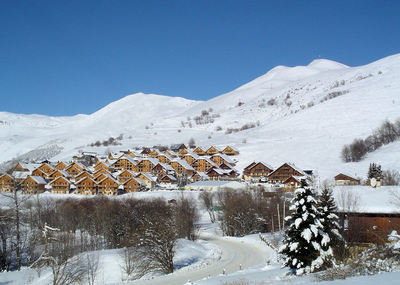 Saint Jean d'Arves: BERGDORP SAINT JEAN D ARVES LES SYBELLES FRANKRIJK WINTERSPORT INTERLODGE