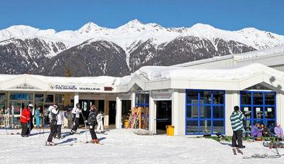 Folgarida: CABINE FOLGARIDA SKIRAMA DOLOMITI SKI SNOWBOARD WINTERSPOR ITALIE INTERLODGE