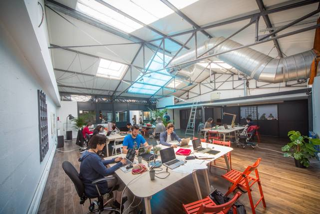 Volumes%20coworking%2018 carousel