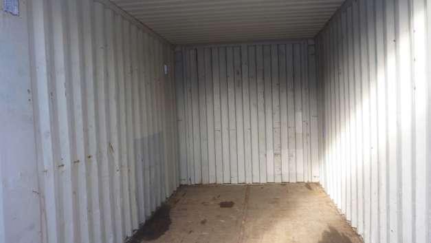 location 10m2 de stockage dans local s curis quimper 29000. Black Bedroom Furniture Sets. Home Design Ideas