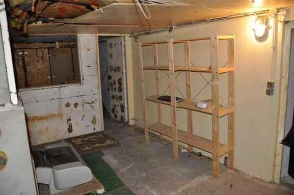 box louer location 3m dans local n 2 montreuil 93100. Black Bedroom Furniture Sets. Home Design Ideas