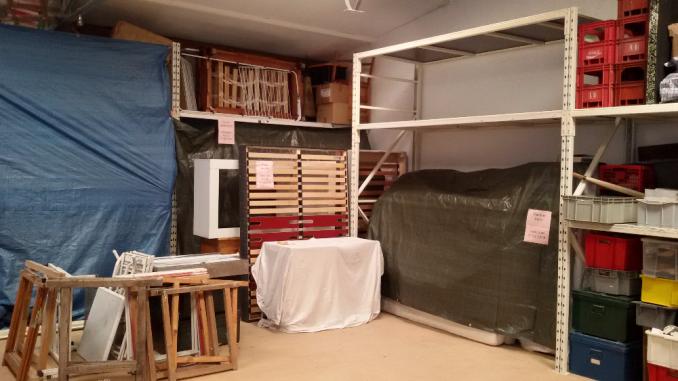 location 2m2 de stockage dans local s curis toulon 83100. Black Bedroom Furniture Sets. Home Design Ideas