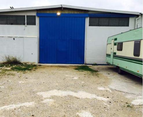 Location box garage saint gilles 30800 for Garage garde meuble