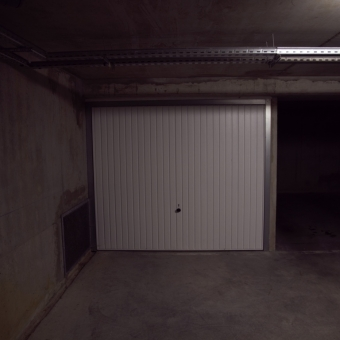 Location box garage pontoise 95300 for Location garage box