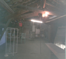 Garde-meuble entre particuliers en location chez 2m2 de stockage dans grenier  à La Murette - 38140
