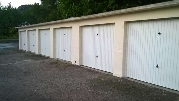 Location box garage les salles du gardon 30110 for Location box garage agde
