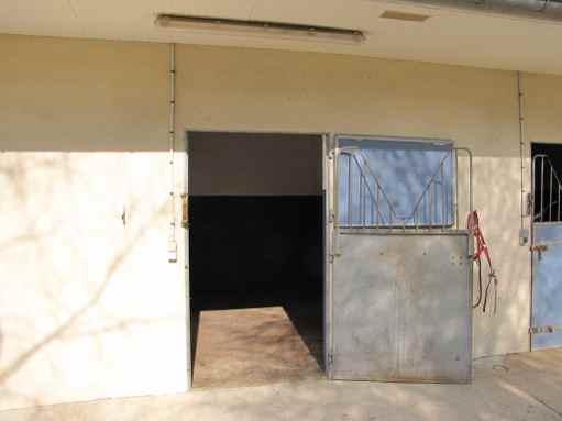 Location box garage lamorlaye 60260 for Location garage box