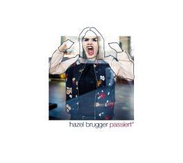 Hazel Brugger passiert*
