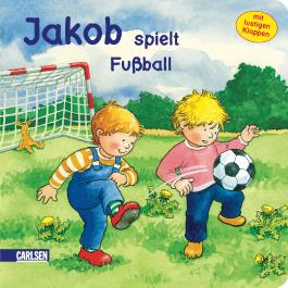 Jakob spielt Fußball