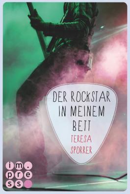 http://nicolelostinbooks.blogspot.de/2016/01/rezension-zu-der-rockstar-in-meinem.html