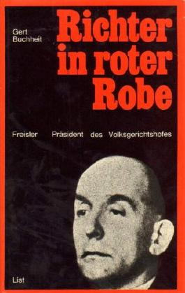 Richter in roter Robe