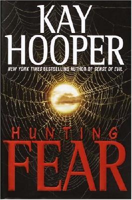 Hunting Fear: A Bishop/Special Crimes Unit Novel (A Bishop/SCU Novel)