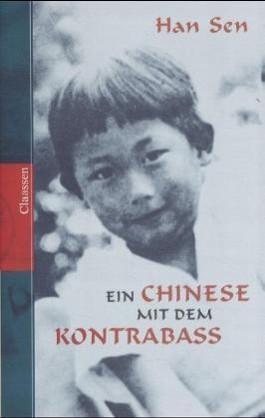 Ein Chinese mit dem Kontrabass