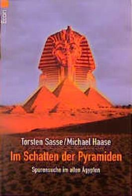 Im Schatten der Pyramiden