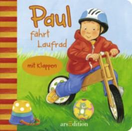 Paul fährt Laufrad