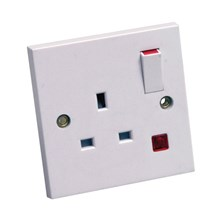 1 Gang Switched Socket with Neon 13Amp